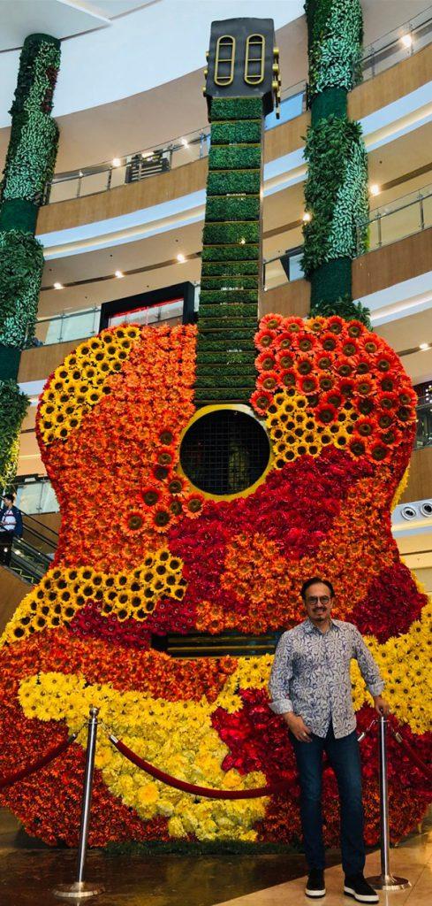 Cebu City Philippines Guitar Festival flower guitar